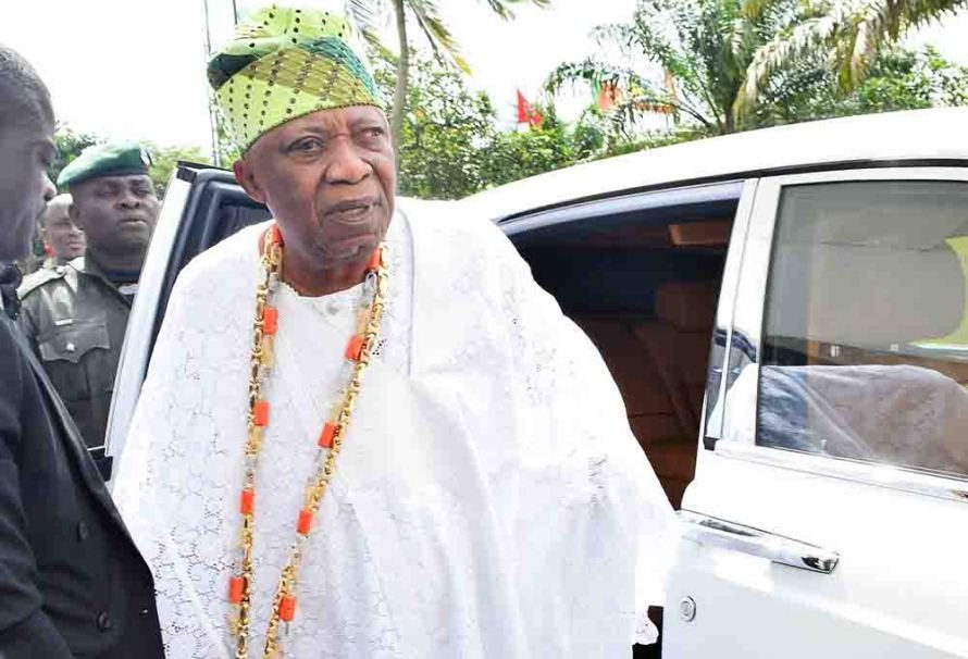 Who The Cap Fits!... Ooni honors Billionaire Adebutu with Odole Oodua title/newsheadline247.com