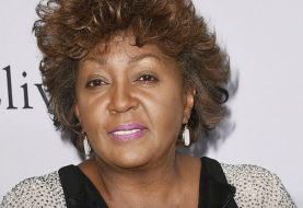 Why Anita Baker Is Set To Get Lifetime Achievement Recognition At 2018 BET Awards