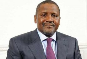 Billionaire Aliko Dangote – In Heated Conversation – Responds To Story On Trouble With President Buhari